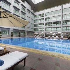 Отель Pullman Guangzhou Baiyun Airport бассейн