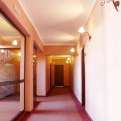 Отель Family Hotel Balkana Болгария, Боженци - отзывы, цены и фото номеров - забронировать отель Family Hotel Balkana онлайн интерьер отеля фото 3