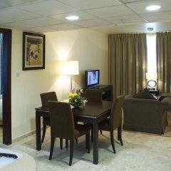 Avari Hotel Apartments в номере