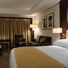 Mövenpick Hotel Bur Dubai 5* Улучшенный номер с различными типами кроватей фото 5