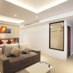 Отель Paripas Patong Resort 4* Стандартный семейный номер с разными типами кроватей фото 9