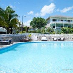 Отель Golden Cove Resort бассейн