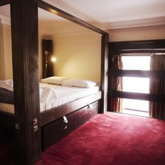 Отель Palmers Lodge Swiss Cottage Кровать в общем номере фото 2