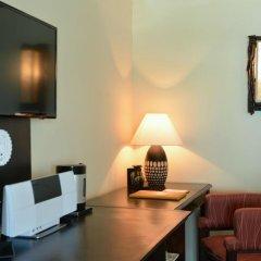 Отель Andaman White Beach Resort 4* Номер Делюкс с двуспальной кроватью фото 15