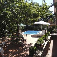 Отель The Oaks Сперлонга бассейн