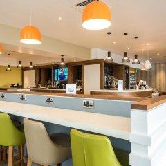 Отель Holiday Inn Brighton Seafront Великобритания, Брайтон - отзывы, цены и фото номеров - забронировать отель Holiday Inn Brighton Seafront онлайн гостиничный бар