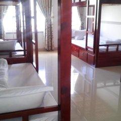 Отель Backpacker Inn Dalat 2* Кровать в общем номере фото 8