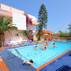 Primavera Beach Hotel Studios & Apartments бассейн фото 2