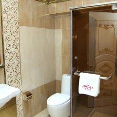 Отель Roma Yerevan & Tours Армения, Ереван - отзывы, цены и фото номеров - забронировать отель Roma Yerevan & Tours онлайн ванная фото 2