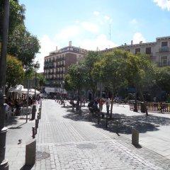 Отель Apartamento Salitre 2 - Lavapies Мадрид приотельная территория