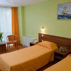 Adelfiya Hotel 2* Номер Комфорт с двуспальной кроватью фото 4