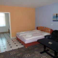Отель Penzion Holiday 3* Апартаменты с различными типами кроватей фото 2