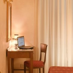 Отель Silla Италия, Рим - 2 отзыва об отеле, цены и фото номеров - забронировать отель Silla онлайн удобства в номере фото 2
