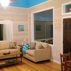 Отель Serenity Beach Cottages Гондурас, Остров Утила - отзывы, цены и фото номеров - забронировать отель Serenity Beach Cottages онлайн комната для гостей фото 5