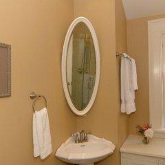 Отель Haddon House Bed & Breakfast Канада, Бурнаби - отзывы, цены и фото номеров - забронировать отель Haddon House Bed & Breakfast онлайн ванная фото 2