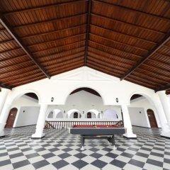 Отель Royal Beach Resort Шри-Ланка, Индурува - отзывы, цены и фото номеров - забронировать отель Royal Beach Resort онлайн интерьер отеля фото 2