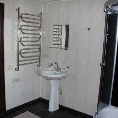 Мини-Отель Внучка Стандартный номер с двуспальной кроватью (общая ванная комната)