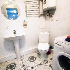 Гостиница Kubanskaya Naberezhnaya 64 в Краснодаре отзывы, цены и фото номеров - забронировать гостиницу Kubanskaya Naberezhnaya 64 онлайн Краснодар ванная фото 3