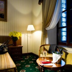 Гостиница Айвазовский Полулюкс с двуспальной кроватью фото 9