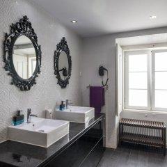 Отель Stay Inn Lisbon Hostel Португалия, Лиссабон - отзывы, цены и фото номеров - забронировать отель Stay Inn Lisbon Hostel онлайн ванная