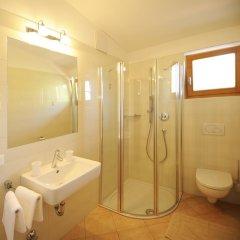 Отель Pension Golser Италия, Чермес - отзывы, цены и фото номеров - забронировать отель Pension Golser онлайн ванная фото 2