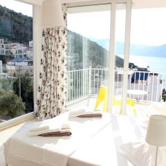Отель White Suites XI балкон