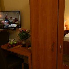 Отель Ai Konigshof Берлин в номере