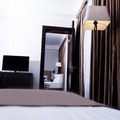 Отель Амбассадор 4* Стандартный семейный номер с двуспальной кроватью фото 8
