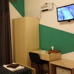 Отель Il Sole e La Luna Стандартный номер с двуспальной кроватью (общая ванная комната) фото 7