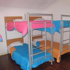 Отель Pousada de Juventude de Ponta Delgada Кровать в мужском общем номере