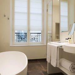 Отель Hôtel Dupond-Smith 5* Улучшенный номер с различными типами кроватей фото 6