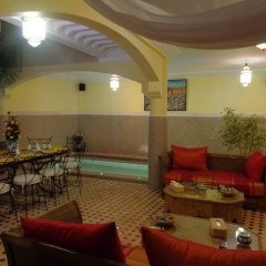 Отель Riad Atlas Toyours Марокко, Марракеш - отзывы, цены и фото номеров - забронировать отель Riad Atlas Toyours онлайн гостиничный бар