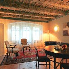 Отель Vlasska House At the 3 Swallows Чехия, Прага - отзывы, цены и фото номеров - забронировать отель Vlasska House At the 3 Swallows онлайн комната для гостей фото 3