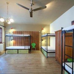 Little Quarter Hostel Кровать в общем номере с двухъярусной кроватью фото 9