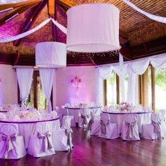 Отель The St Regis Bora Bora Resort