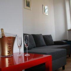Отель Koscielna Apartment Old Town Польша, Варшава - отзывы, цены и фото номеров - забронировать отель Koscielna Apartment Old Town онлайн комната для гостей фото 4