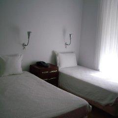 Отель Pensao Residencial Camoes 2* Стандартный номер с двуспальной кроватью фото 5
