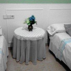 Отель Callao 2* Стандартный номер с 2 отдельными кроватями (общая ванная комната) фото 3