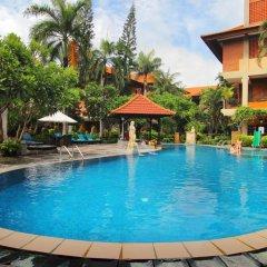 Отель Adi Dharma Hotel Индонезия, Бали - 2 отзыва об отеле, цены и фото номеров - забронировать отель Adi Dharma Hotel онлайн бассейн фото 2