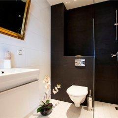 Отель Liivalaia Apartment Эстония, Таллин - отзывы, цены и фото номеров - забронировать отель Liivalaia Apartment онлайн ванная
