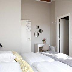 Отель Flores Guest House 4* Стандартный номер с двуспальной кроватью фото 19