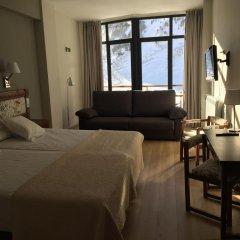 Hotel Edelweiss Candanchu 3* Стандартный семейный номер с двуспальной кроватью