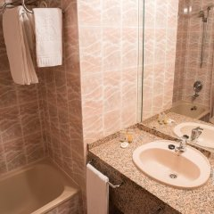 Hotel AR Roca Esmeralda & Spa ванная