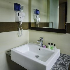 Отель Clear Sky Inn By Wonderland Maldives 3* Улучшенный номер фото 7
