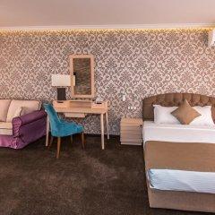 Отель 8 1/2 Art Guest House 3* Люкс с различными типами кроватей фото 4
