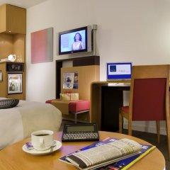 Отель Novotel Zurich City West 4* Представительский номер с различными типами кроватей фото 4