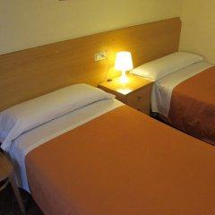Отель Hostal Prim Мадрид комната для гостей