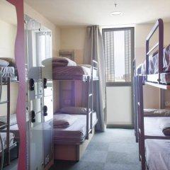 Barcelona Urbany Hostel Кровать в женском общем номере с двухъярусной кроватью