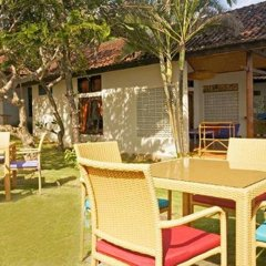 Отель Relax Beach Resort Candidasa бассейн