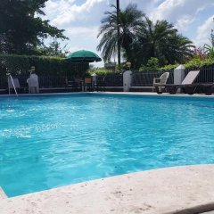 Отель Metrotel Express Гондурас, Сан-Педро-Сула - отзывы, цены и фото номеров - забронировать отель Metrotel Express онлайн бассейн фото 3